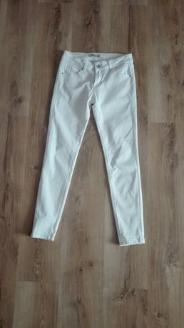 Białe jeansy stan idealny!