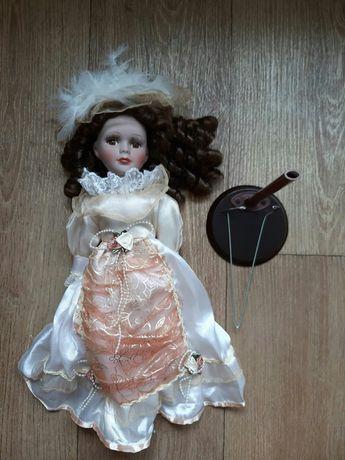 Порцелянова ( фарфорова) колекційна лялька