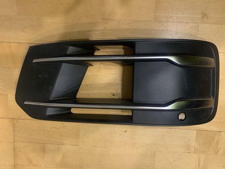 Решетка бампера Audi Q7 4M080768Q