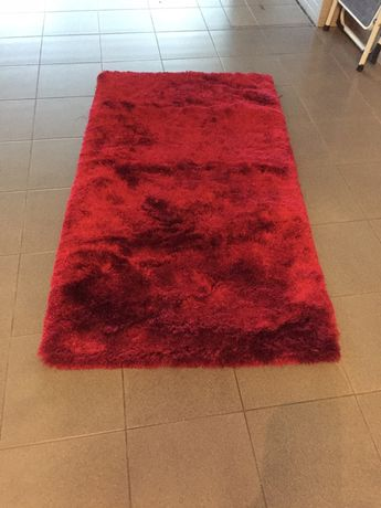 Carpete pelo alto bordô