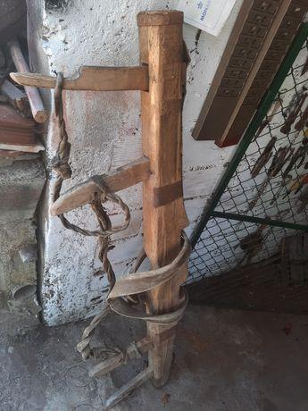 Canga de bois antiga