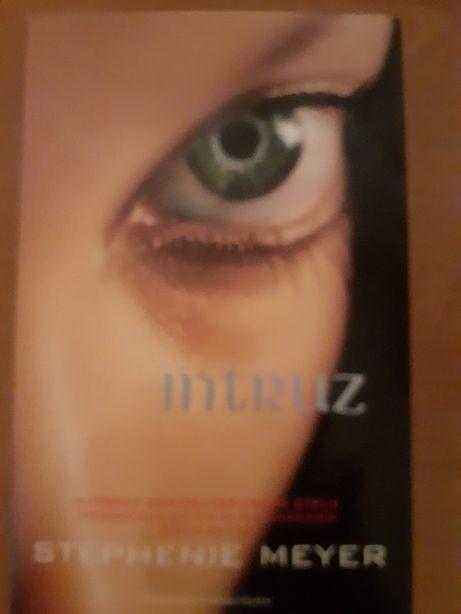 INTRUZ - Stephenie Meyer.