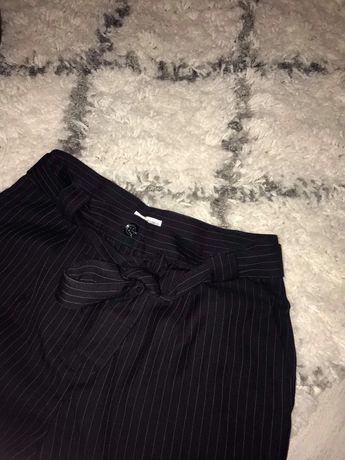 Spodnie z wiazaniem
