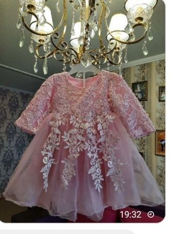 Шикарное платье на годик