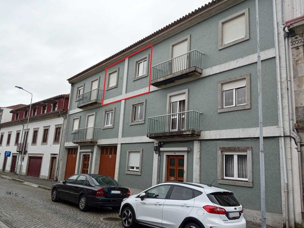 Apartamento T3 - Viana - Centro