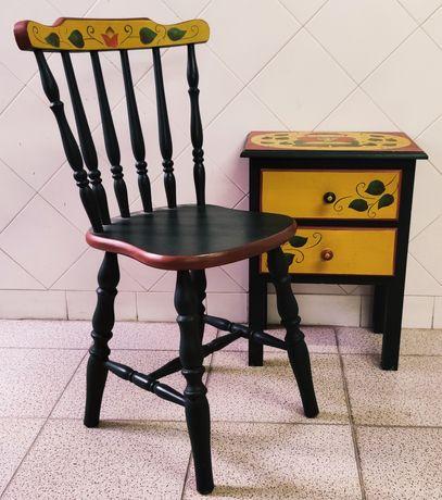 Conjunto mobília antiga de criança