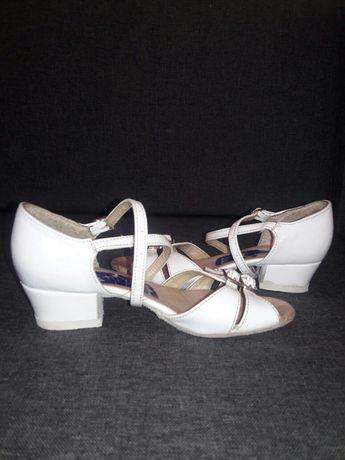Взуття для бальних танців (босоніжки)