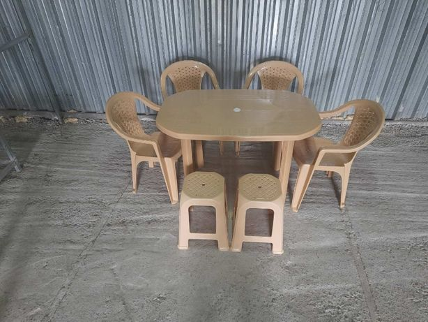 АКЦИЯ! Комплект пластиковой мебели большой стол + 4 стула + 2 табурета