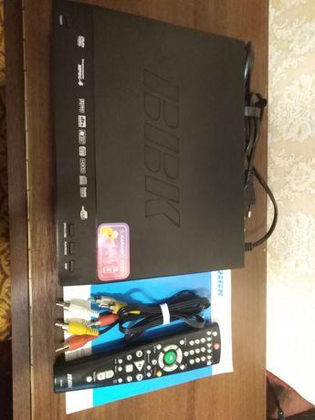 BBK DVD плеер с караоке DVP256SI