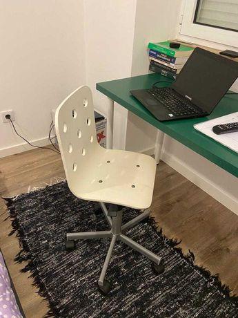 Cadeira secretária SEMINOVA