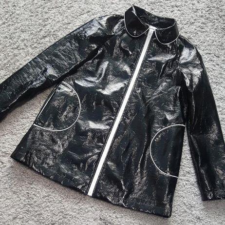 Новая,фирменная,лаковая куртка-ветровка-дождевик hippocampe