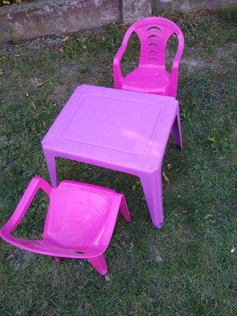 Stolik i krzesełka ogrodowe