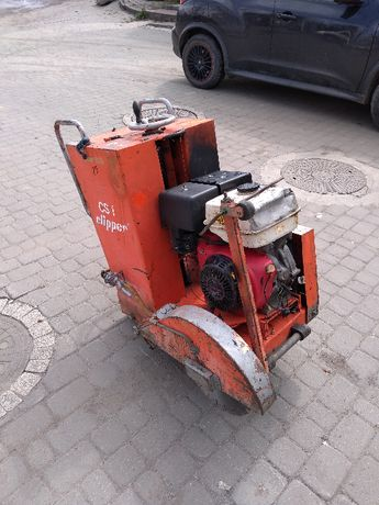 Piła spalinowa, przecinarka Norton clipper CS1 do betonu, asfaltu
