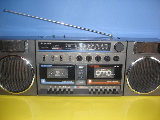 Radiomagnetofon CLUB 4002