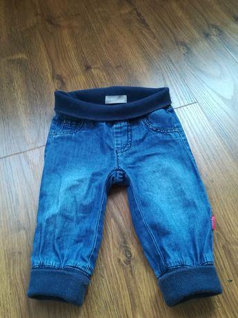 Spodnie jeansy r. 68