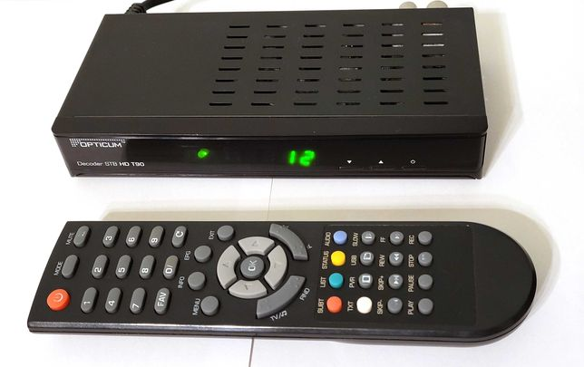 Dekoder DVB-T OPTICUM T90 z pilotem jak nowy