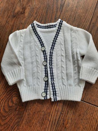 Elegancki biały sweterek 62