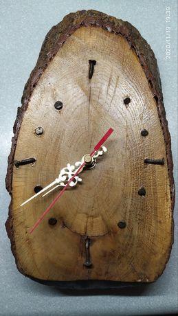 Zegar z kawałka dębiny