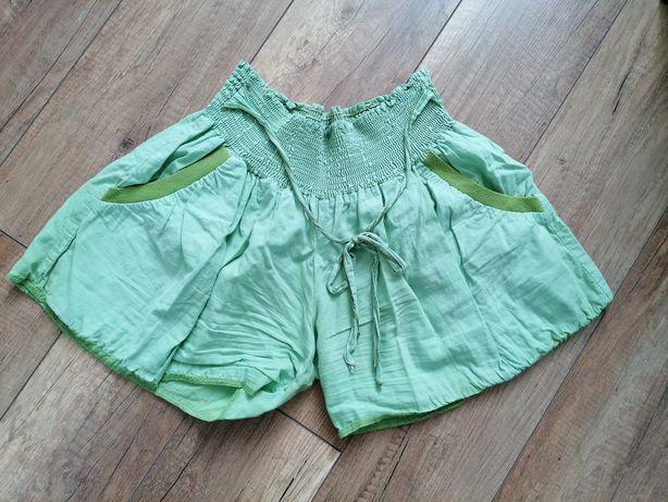 Krótkie zielone spodenki