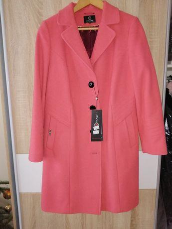 Płaszcz firmy Halkaz 42