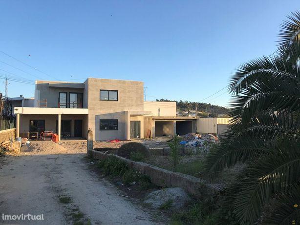 Moradia em construção em Guardizela- Guimarães