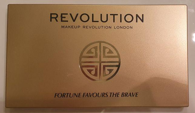 Paleta Revolution Fortune Favours The Brave