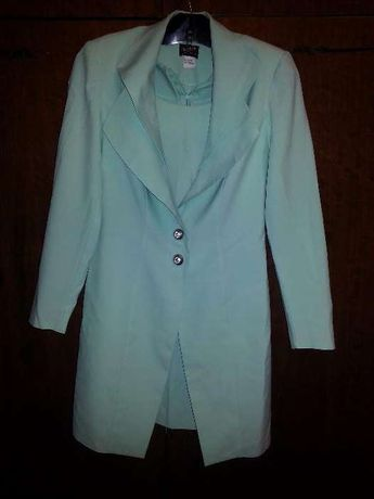 Костюм женский нарядный мятного цвета (пиджак и платье)
