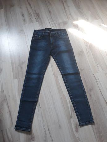 Spodnie Nowe jeans