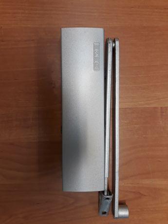 Samozamykacze Geze Ts 2000  z ramieniem