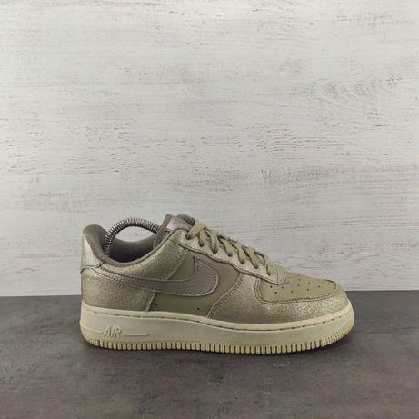 Кроссовки Nike Air Force 1 07 Premium. Размер 40