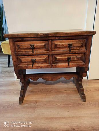 Drewniana komoda w stylu retro, vintage