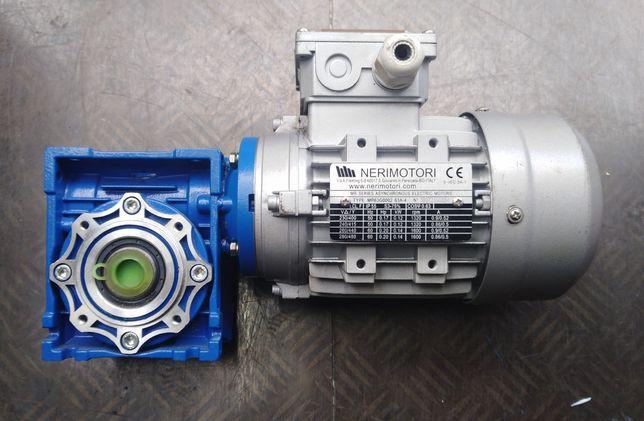 Мотор-редуктор 45об/хв черв'ячного типу