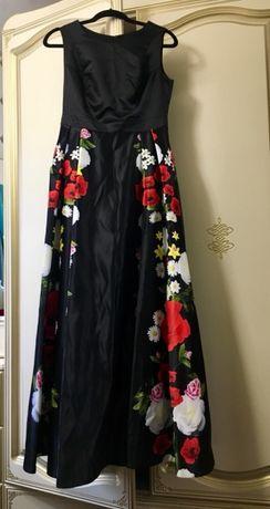 Продаю плаття на випускний та для урочистих подій.