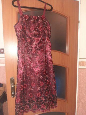 Elegancka sukienka bordowa/czerwona z koronką