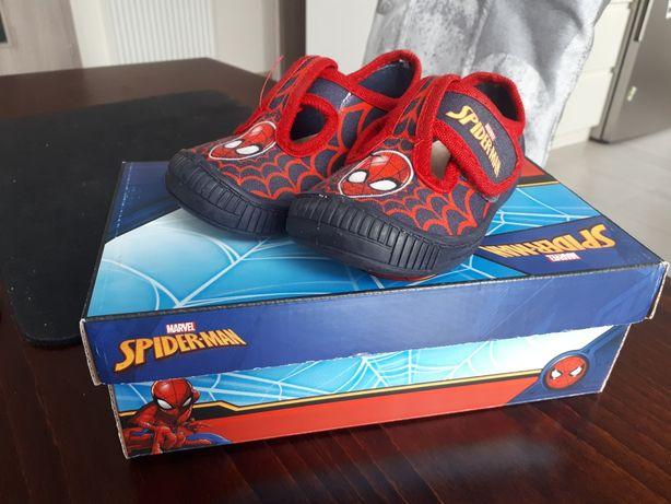 Kapcie Spiderman 24
