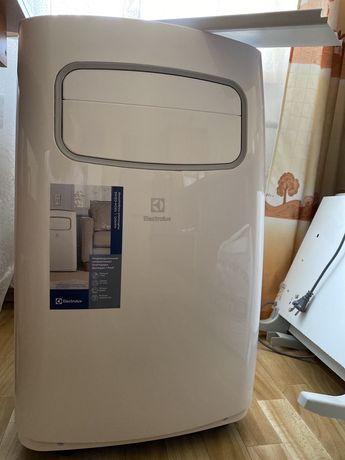 Новый мобильный кондиционер Electrolux EACM-09 +расшир. гар 2 года