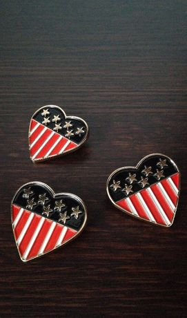 Broszki kształcie serc USA