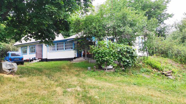 Продам хороший будинок в центрі села Торг