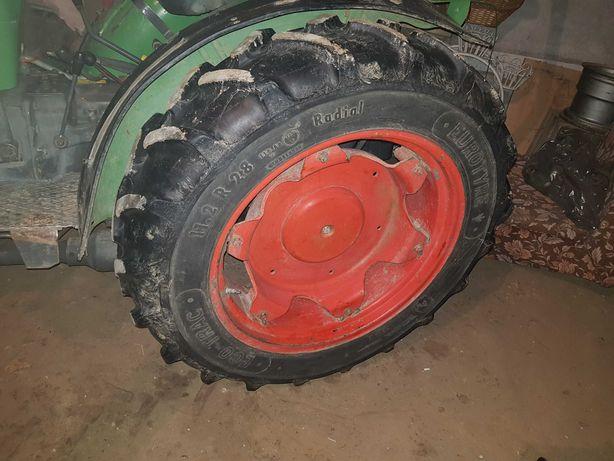 Opony felgi regulowane 11.2R28 7.5R16 ciągnik sadowniczy Fendt