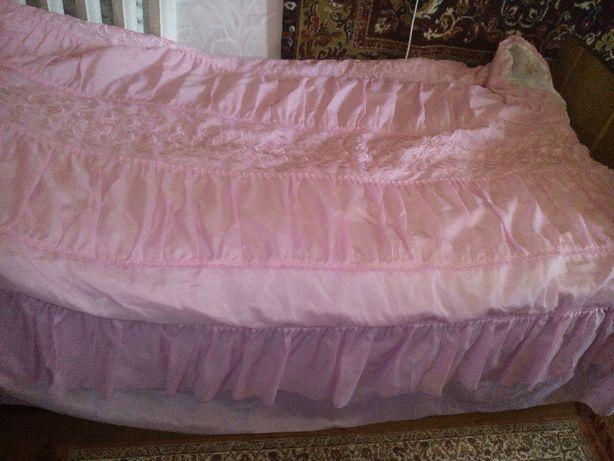 Покрывало на кровать с подушками