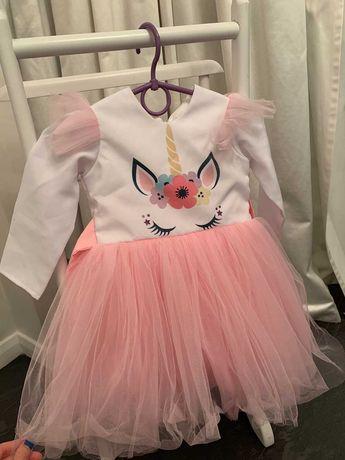 Нарядное платье для девочки (2годика)