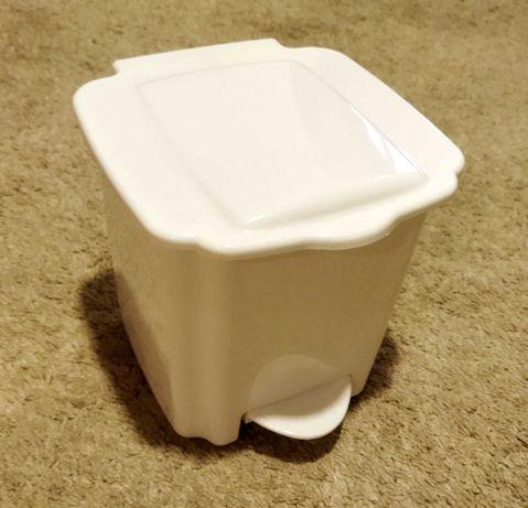 Caixote do lixo de pedal de pequenas dimensões - casa de banho