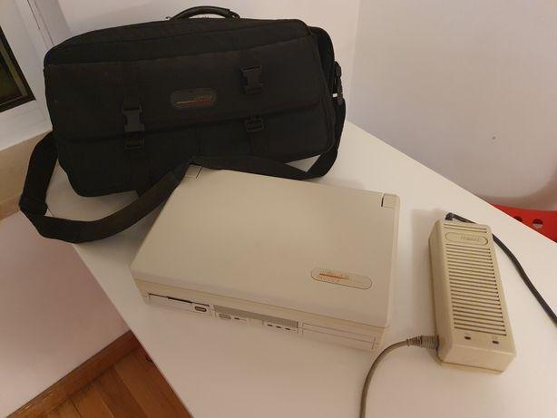 Old PC portatil marca Compac
