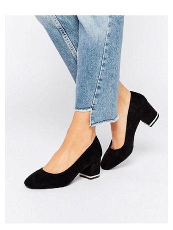 sapatos salto médio pretos