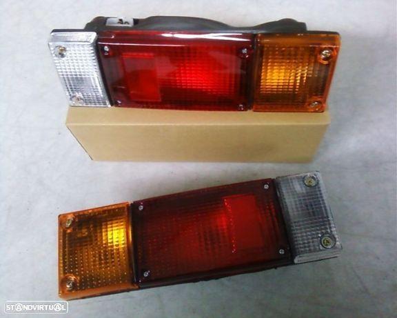 farolins stop Nissan Cabstar e Pickup D21 caixa aberta (NOVOS)