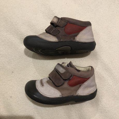 Чобітки на хлопчика ботинки на мальчика на малыша 22 chicco
