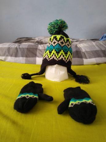 Nowy komplet czapka i rękawiczki.