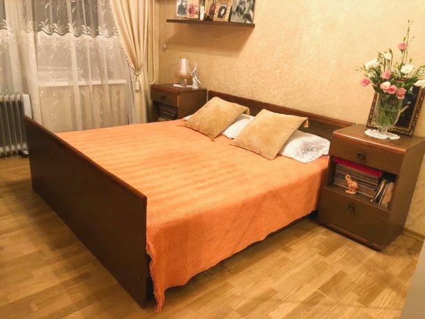 Спальный гарнитур кровать с матрасами