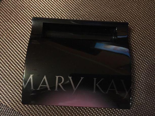 Компактный футляр-органайзер Mary Kay