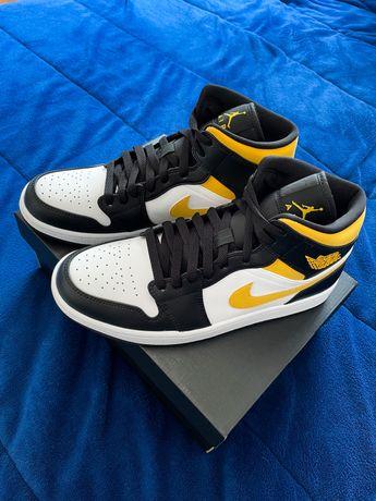 Air Jordan 1 Mid (White/Pollen-Black) 42,5